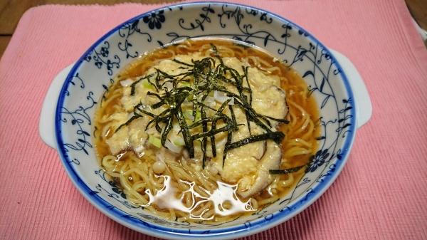 キノコの和風卵とじ醤油らーめん(創作らーめん)