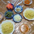 シマダヤのもみ打ち「ざる麺・坦々辛みそつゆ」