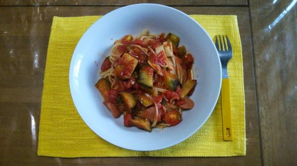 茄子とエリンギのトマトソースパスタ