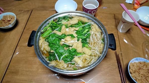 大鍋で作るちゃんこ鍋