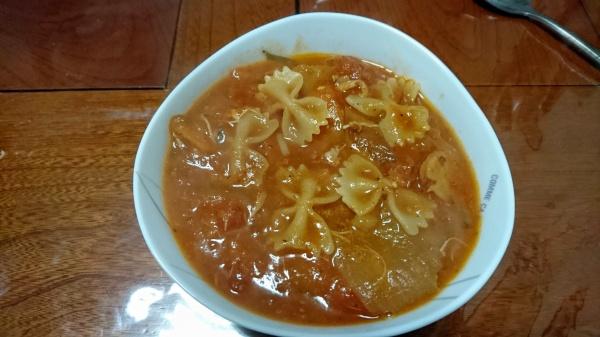 トマトソースのファルファッレ