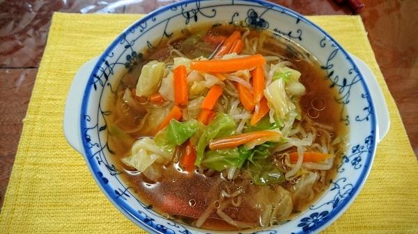 餡かけ野菜炒めの醤油ラーメン