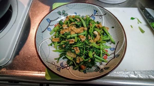 大根葉のピリ辛炒めと味噌炒め